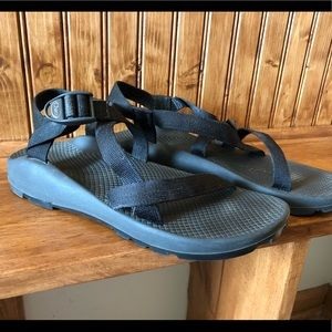 Chaco women's Z/1 size 11 black athletic sandals